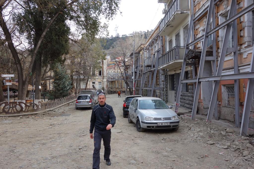 Auch das letzte Erdbeben hat Spuren in der Stadt hinterlassen.