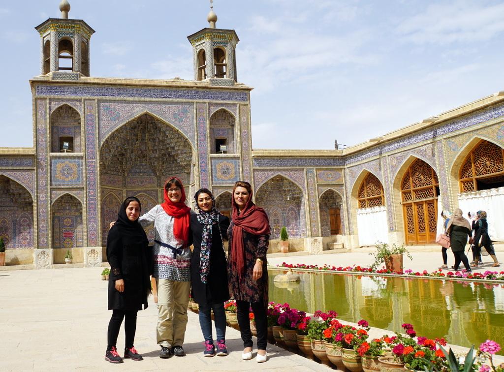 Moschee, Garten und schöne Frauen - eine Kurzzusammenfassung.