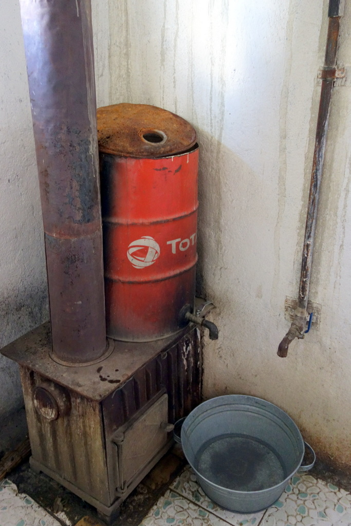 Heißwasserdusche in unserer Unterkunft in Karakol.